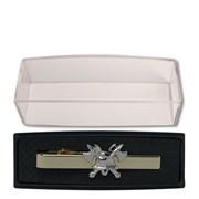 Spona kravatová luxusní zlatá + 3D zlatá hasičská helma a sekery /pánská/